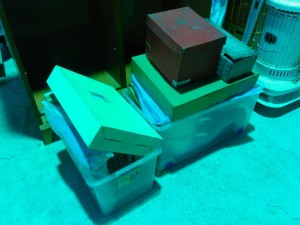 進物、小物、食器、衣装ケース2箱分 です。引取ました!