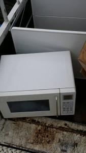 無印、2ドア冷蔵庫、洗濯機、オーブンレンジ、、三段BOX、ハンガーラックなど です。引取ました!