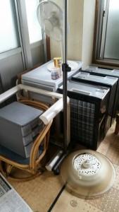 整理タンス、冷蔵庫、洗濯機、袋ゴミ、こたつ、衣装ケース、他 です。引取ました!2