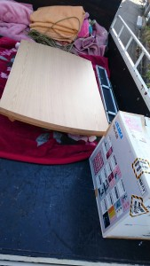 ミシン、折り畳みテーブル×2、細い鏡