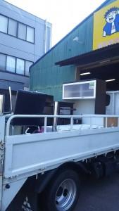 水屋・化粧台・テレビ台・食卓セット・棚  です。引取ました!