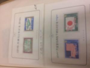 切手と外国切手約30枚、用済み切手一冊、郵便切手本一冊5