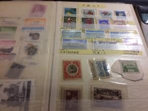 切手と外国切手約30枚、用済み切手一冊、郵便切手本一冊8